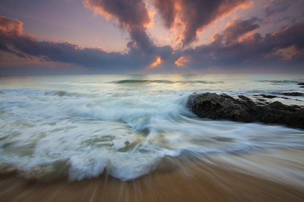 sea, waves, sunrise-1641779.jpg